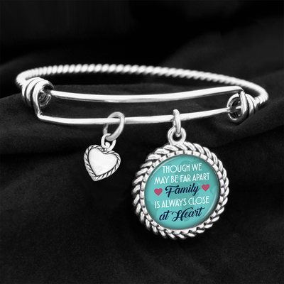 Family Is Always Close At Heart Charm Bracelet
