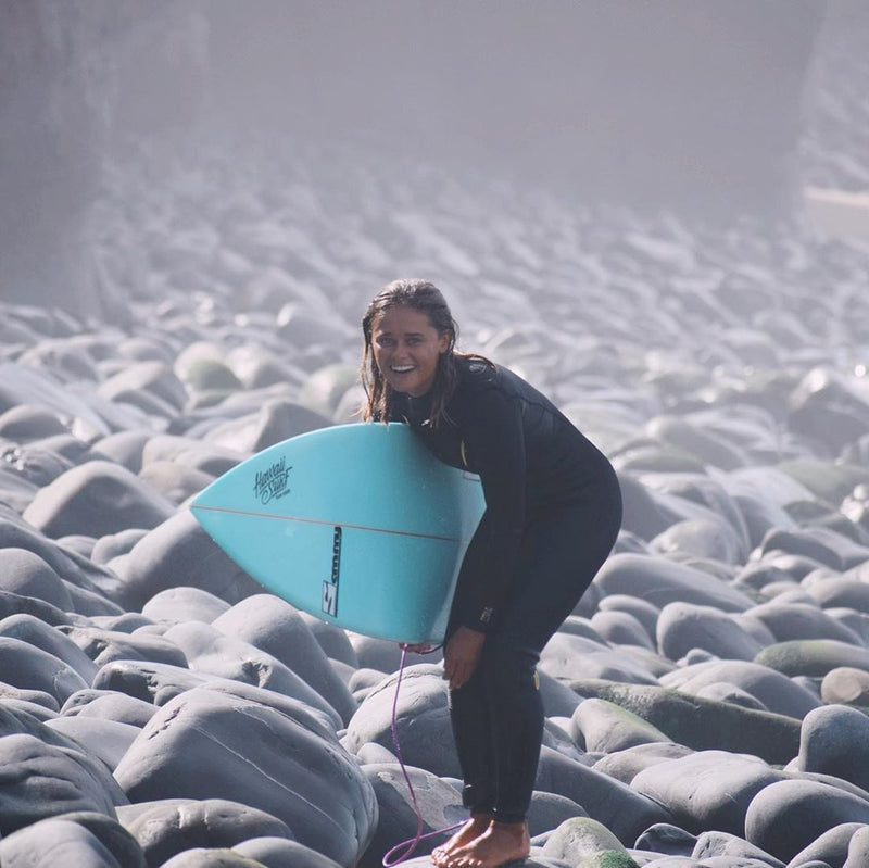 MDNS SURF - Women's Eco-Friendly Wetsuits - Puure Yulex - Chest Zip Steamer - Ride on the beach, Basque Country