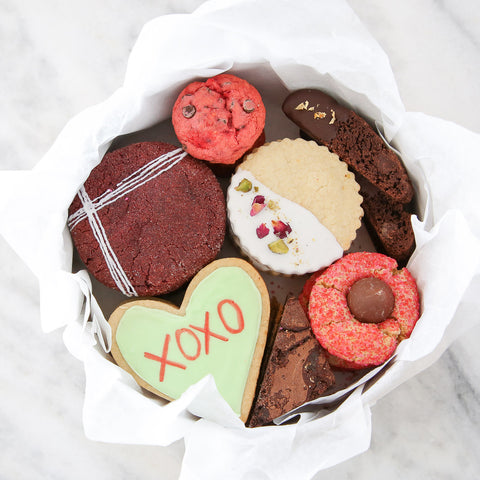 Valentine's Day Cookie Tin. The perfect, unique Valentine's Day gift !