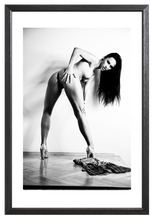 Load image into Gallery viewer, 4x Heidi in Black & White