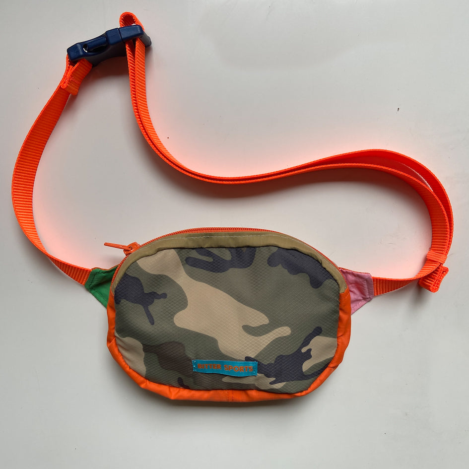 LESS BS BAG - CAMO/ORANGE