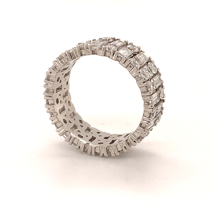 Alternating Baguette Cut and Round Cut Diamond Band Ring