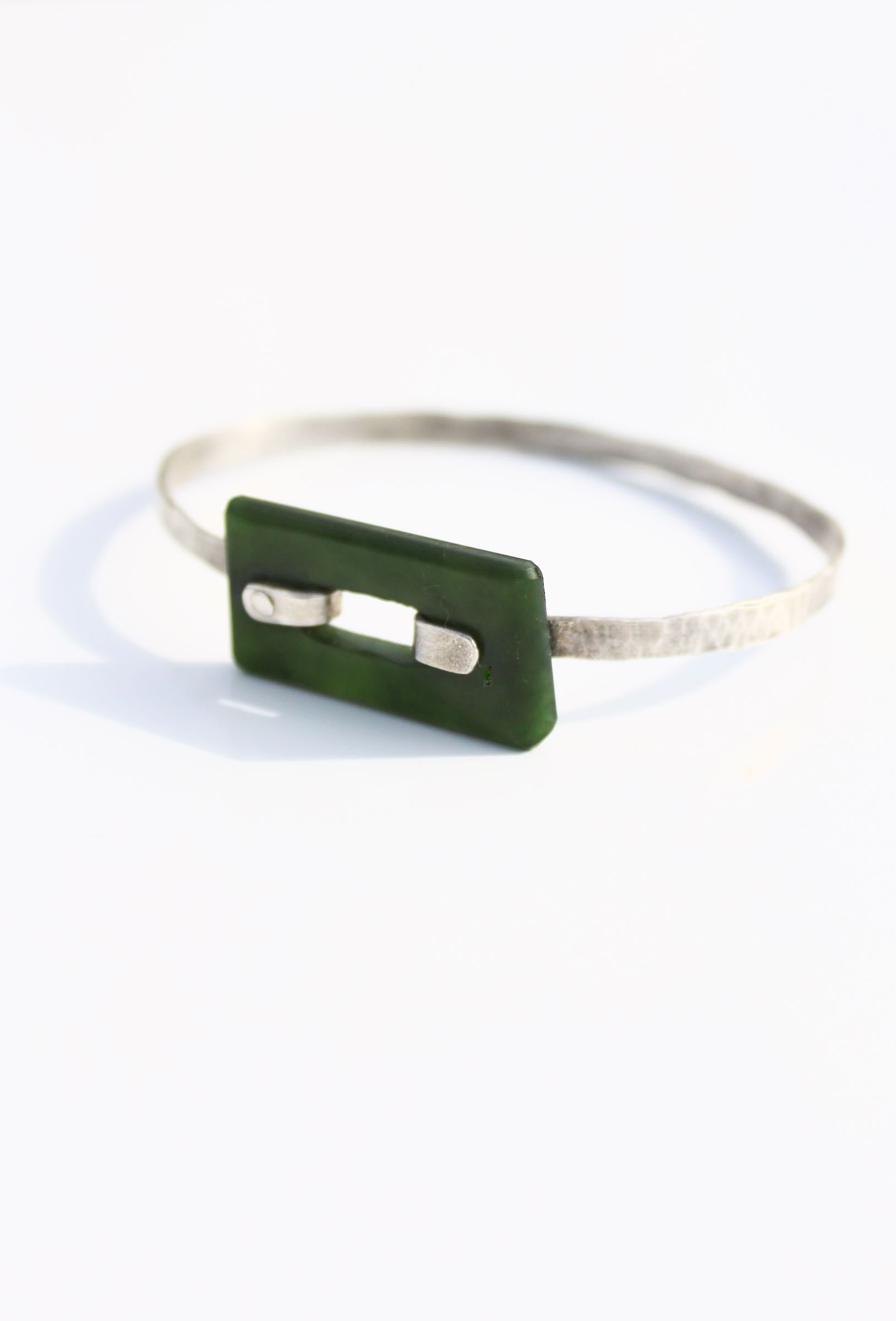 Clasp Bracelet - Silver and NZ Pounamu (Small - 57mm)