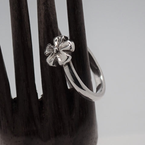 Flower Ring (size 5.25)