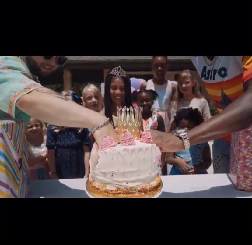 Our cake was in a music video !