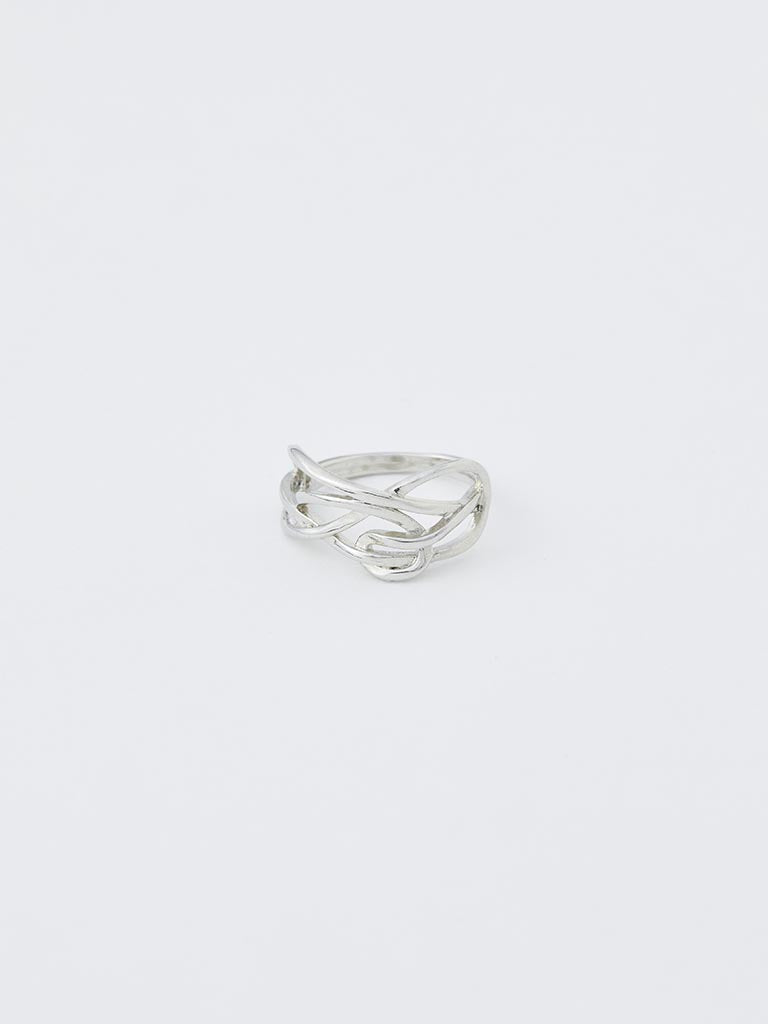 curving  line ring