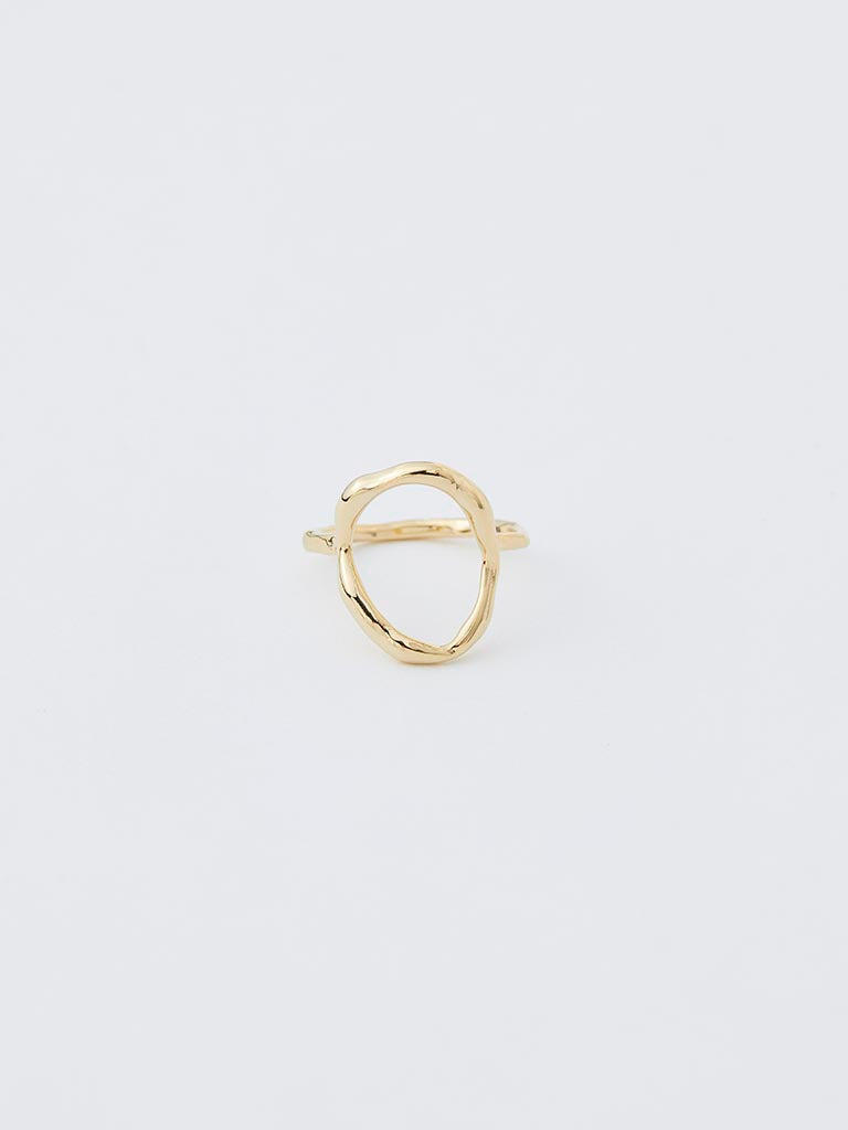 bumpy oval ring
