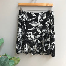 Load image into Gallery viewer, Floral Ruffle Skirt