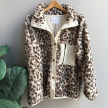 Load image into Gallery viewer, Shearling Leopard Jacket