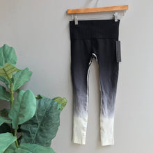 Load image into Gallery viewer, Ombre Dip Dye Leggings
