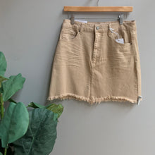 Load image into Gallery viewer, Frayed Hem Color Skirt