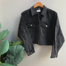 Load image into Gallery viewer, Raw & Ribbed Crop Denim Jacket