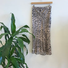 Load image into Gallery viewer, Faye Satin Leopard Midi Skirt