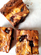 Load image into Gallery viewer, Black Forest Brownies
