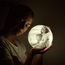 Load image into Gallery viewer, Family Gift Engraved Photo Moon Lamp - faceonboxer