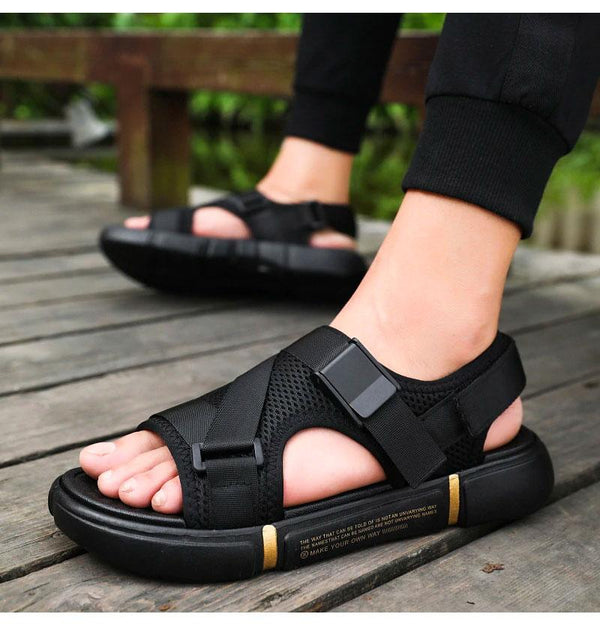 2021 Men's Outdoor Comfortable And Breathable Sandals