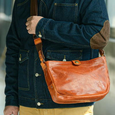 Crescent Leather Messenger Bag - Grittyrustic
