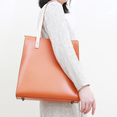Strut Vertical Leather Tote Bag - Grittyrustic