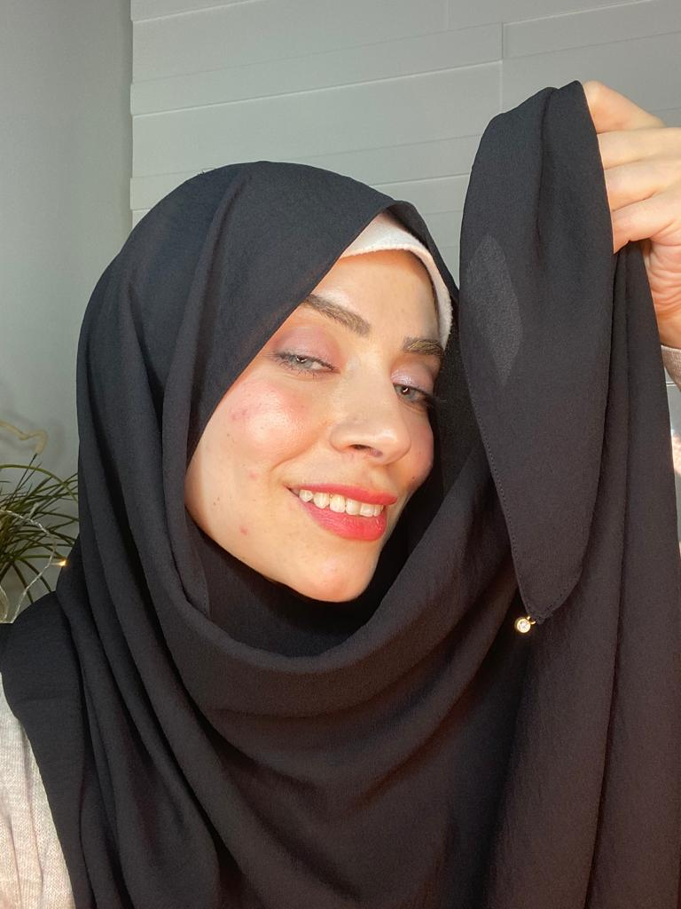 Black classy non transparent luxurious fabric Hijab 2021 - Aynour.com