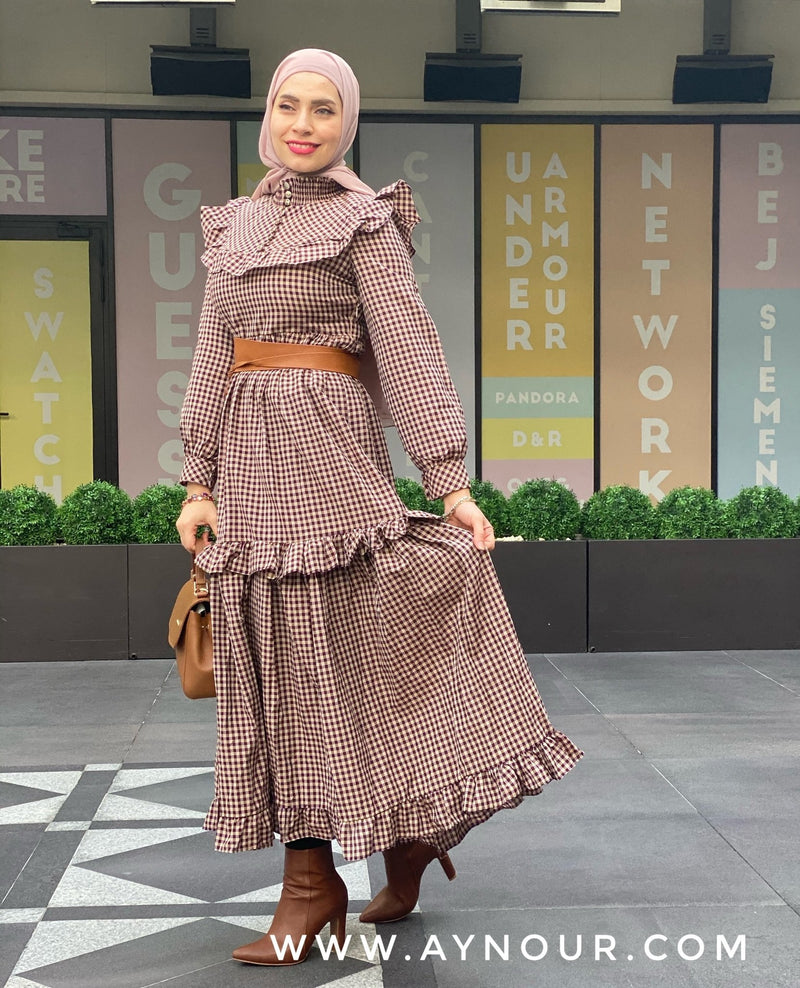 Cute lady biege dark red Modest Dress spring collection 2021 - Aynour.com