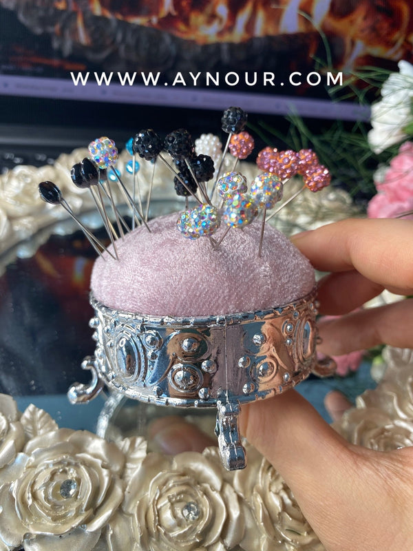 rosy Luxurious pins holder - Aynour.com