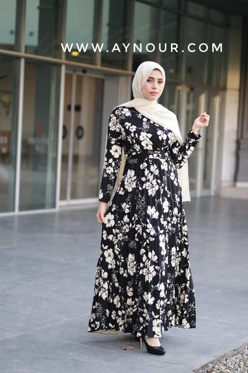 THE BLACK AND WHITE ROSES Modest Dress 2020 - Aynour.com