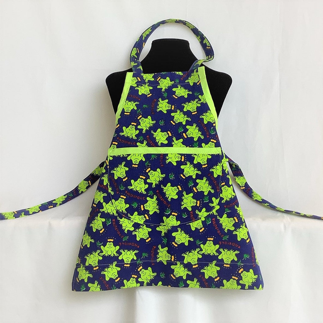 Child S Activity Apron Princely Frogs Womancraftgifts
