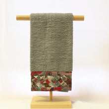 Load image into Gallery viewer, Patchwork Hand Towels