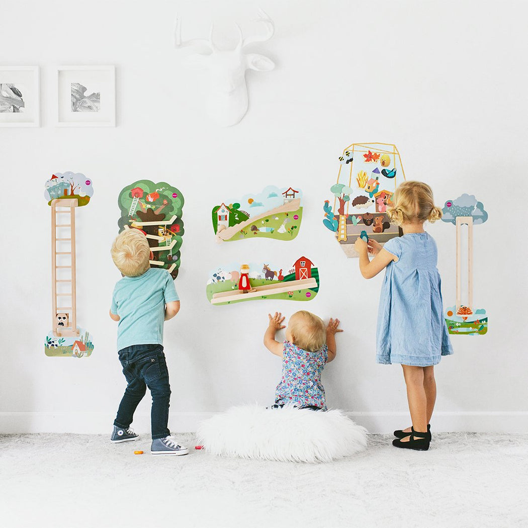 VertiPlay Wall Toy: Round & Round Goes Mr. Bear