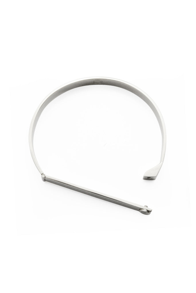 SILVER BANGLE WITH 1 SCREW