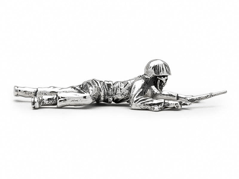 Skull Face Sneaky Crawly M16 Silver Army Man