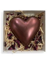 Load image into Gallery viewer, Heart - Large - Strawberries & Cream - Dark Chocolate 67% - Gift Box