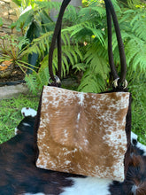 Load image into Gallery viewer, Laredo Cowhide Tote