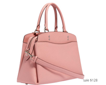 Load image into Gallery viewer, https://www.coachoutlet.com/coach-lillie-carryall/91493.html?dwvar_color=SVOBD