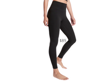 Load image into Gallery viewer, https://athleta.gap.com/browse/product.do?pid=502359002&cid=1059481&pcid=1059481&vid=1&grid=pds_5_98_1&cpos=5&cexp=1501&kcid=CategoryIDs%3D1059481&cvar=11270&ctype=Listing&cpid=res20071917318888537734229#pdp-page-content