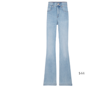 Load image into Gallery viewer, https://www.express.com/clothing/women/high-waisted-light-wash-slim-flare-jeans/pro/07159282/color/Light%20Wash/e/regular/