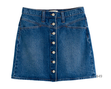 Load image into Gallery viewer, https://www.madewell.com/stretch-denim-a-line-snap-mini-skirt-AF059.html?color=DM3621