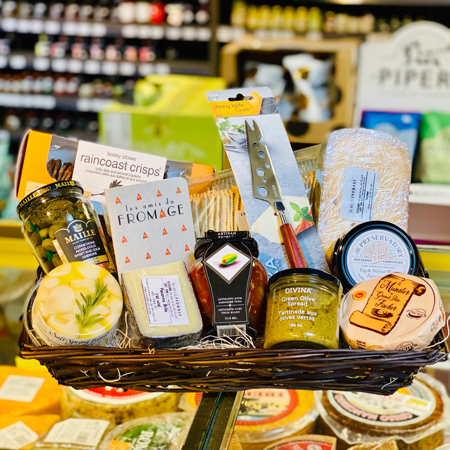 Gift Basket: Deluxe Cheese Lovers