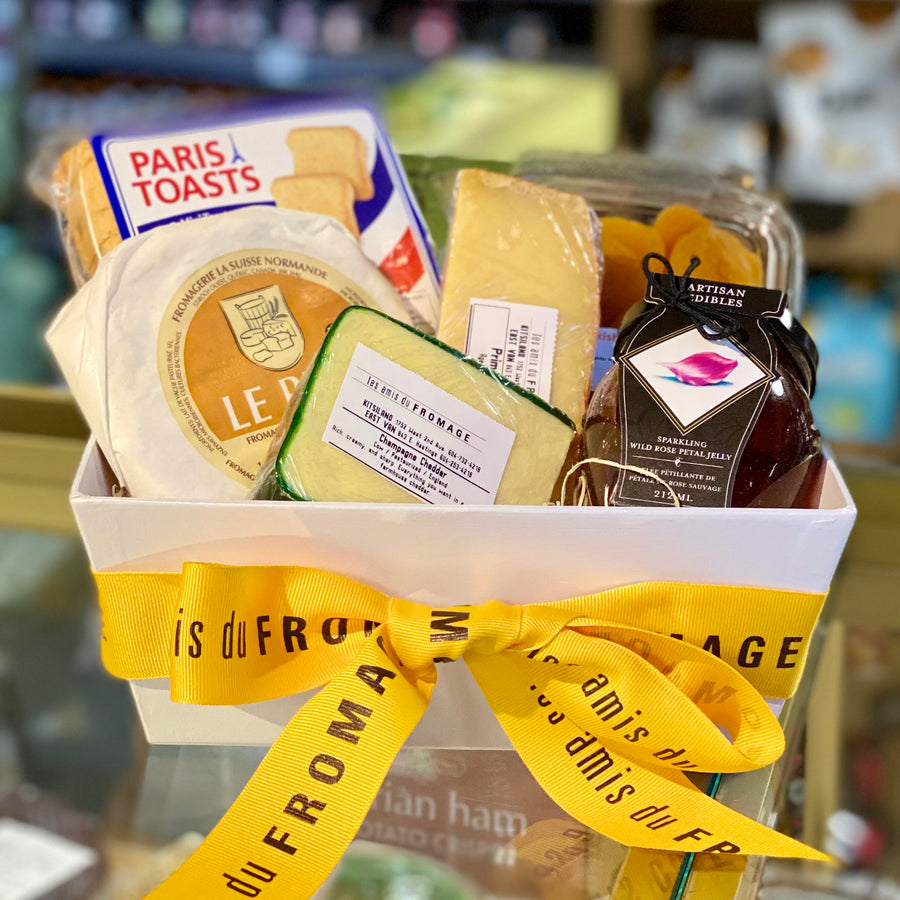 Gift Basket: 3 pc Cheese