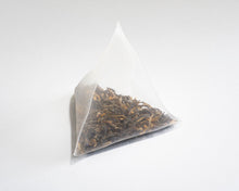 Load image into Gallery viewer, Metolius Artisan Tea - Black & Gold Sachets