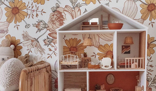 From Bookshelf to Dollshouse