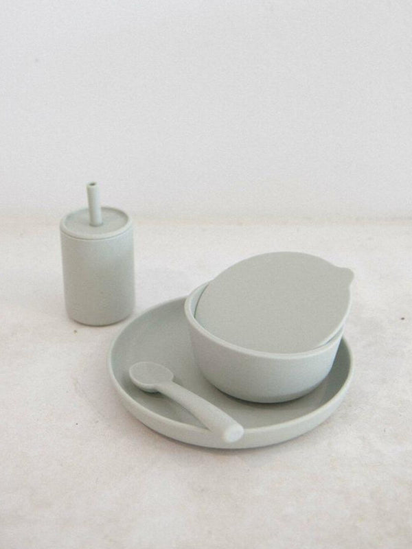 Rommer dinnerware set in cloud features silicone bowl, plate, spoon and drink bottle. Perfect for meal times.