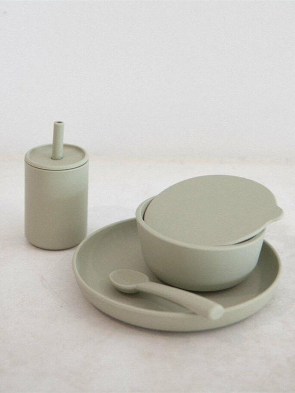 Rommer dinnerware set in oyster features silicone bowl, plate, spoon and drink bottle. Perfect for meal times.