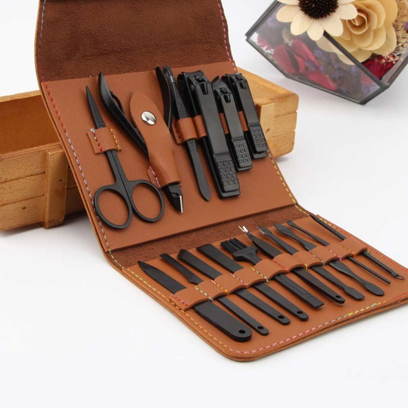 16 Piece Nail Tool Set With Travel Case