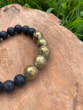 Load image into Gallery viewer, Glittery Gold Druzy Diffuser Bracelet