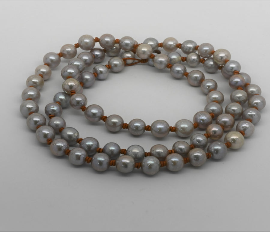 Sautoir: Classic Round pearl leather knotted