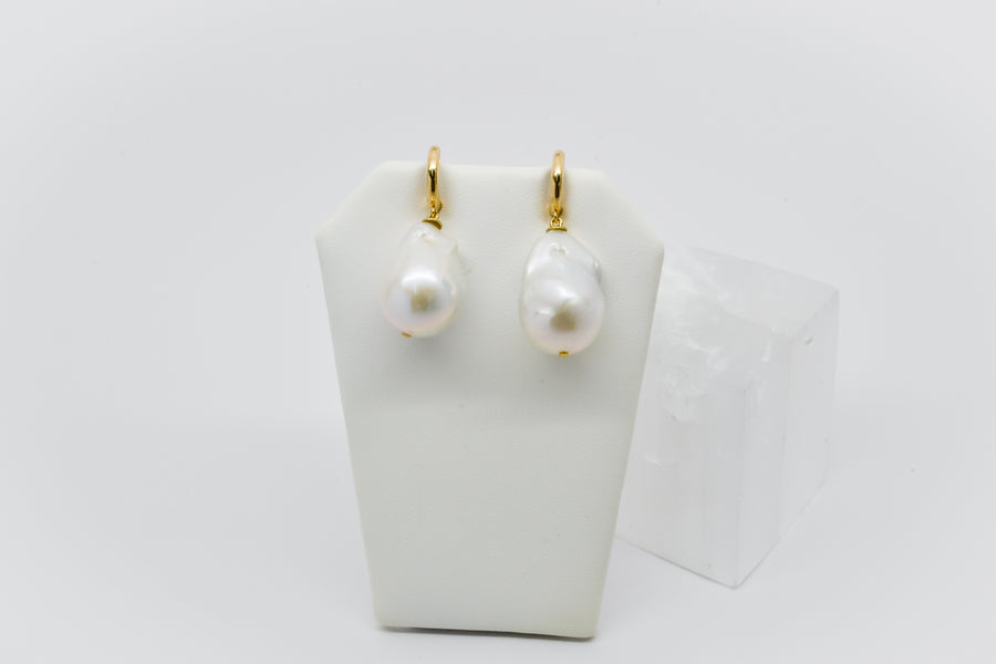 Classic Kate Earring: 14k gold huggy with Large baroque Freshwater pearl
