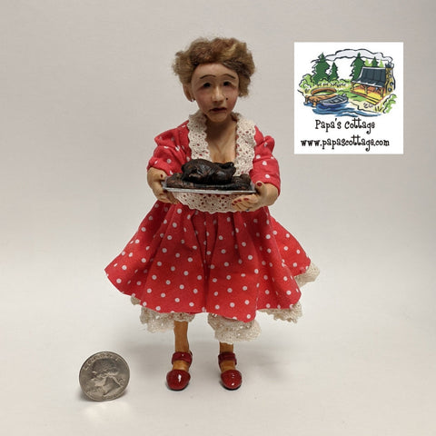 Sad, crying woman/mother doll 1:12 - Papa's Cottage Home Goods & Decor