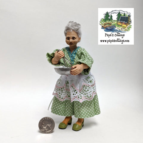 Baking old woman/grandmother doll 1:12 - Papa's Cottage Home Goods & Decor