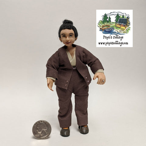 Business woman/teacher/professor doll 1:12 - Papa's Cottage Home Goods & Decor